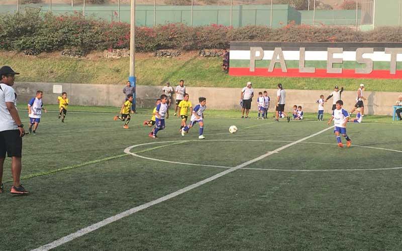 Clases-de-Futbol-Base-–-Club-Árabe-Palestino-Surco--3