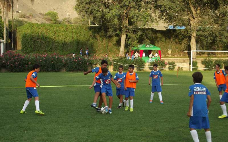 Clases-de-Futbol-Base-–-Club-Árabe-Palestino-Surco-4
